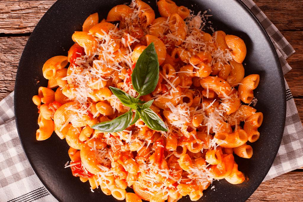Pasta Pluma Con Tomate Lucchetti