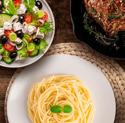 Ensalada y pasta Lucchetti